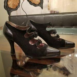 Anne Klein Vintage Black Buckle Front Shoe